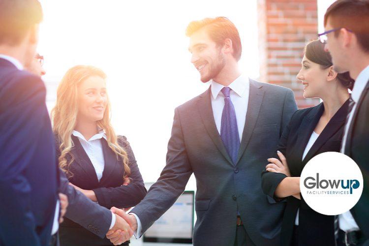GlowUp - Ventajas de contratar a una empresa de outsourcing